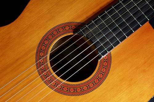 Vom Hobbygitarristen zum Alleinunterhalter via Internet